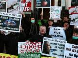Irish Examiner, 20 Nov 2013: Protestors urge farmed salmon boycott outside Good Food Ireland awards